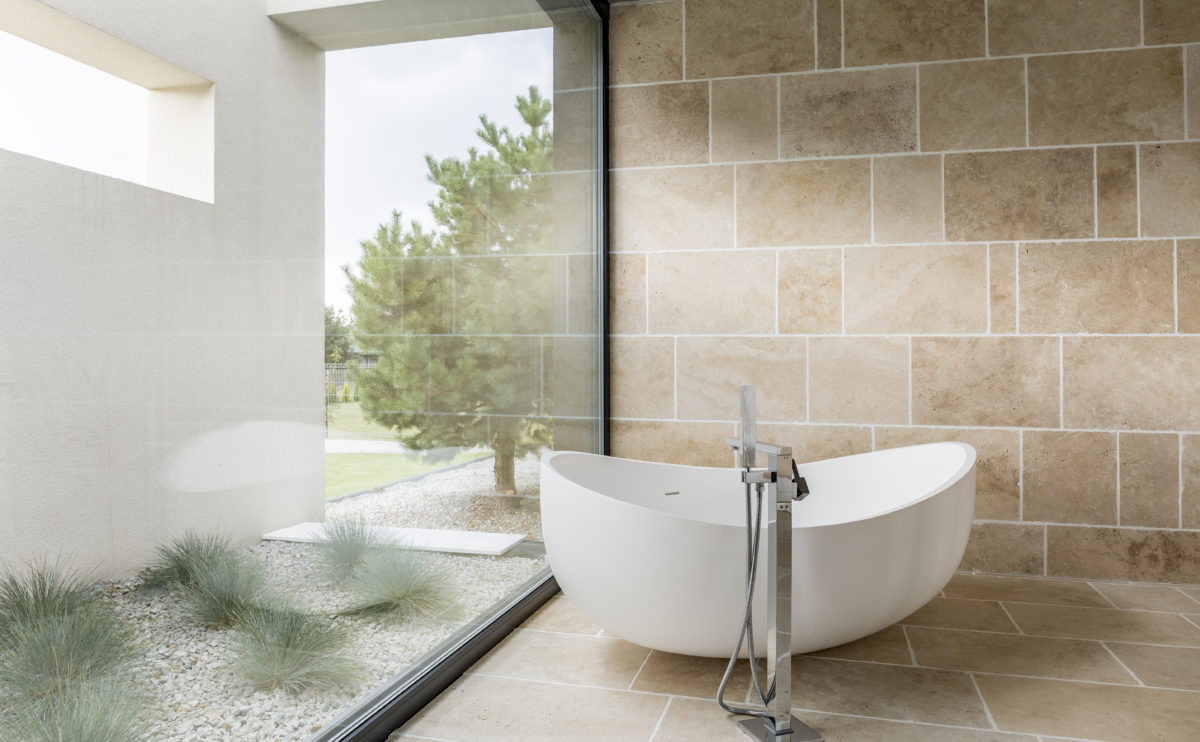 aqso_bathroom, ventilation, window, transparency, bathtub, minimal design