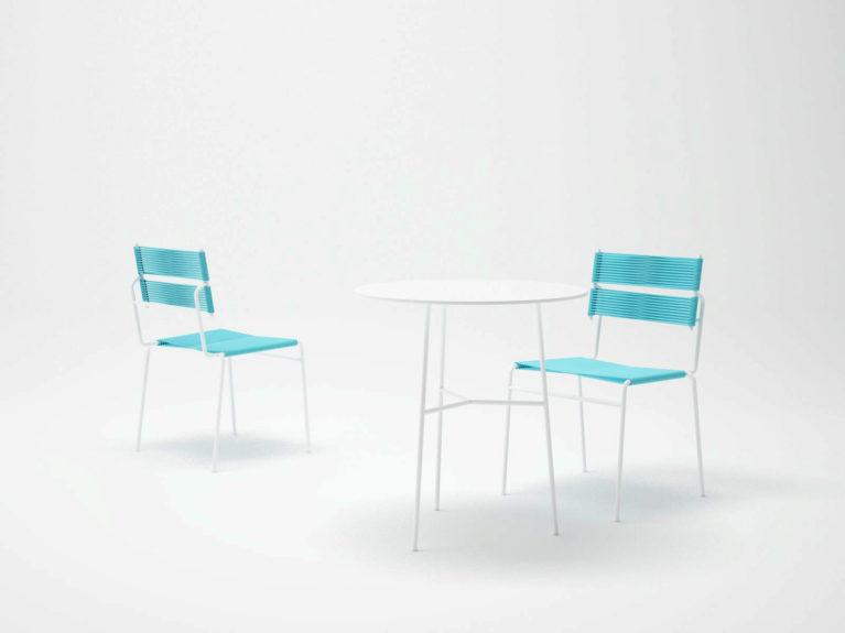 aqso arquitectos office, colección carola, mobilario de exteriores, set de silla, mesa de comer y poltrona, paleta de colores claros, azul y blanco, tonos mediterráneos, diseño desenfadado, sillas cómodas de exterior