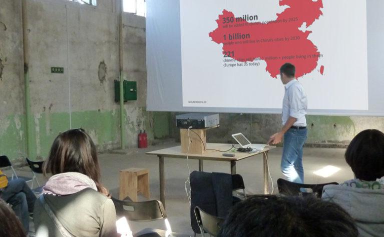 presentación en el foro de diseño Dashilan