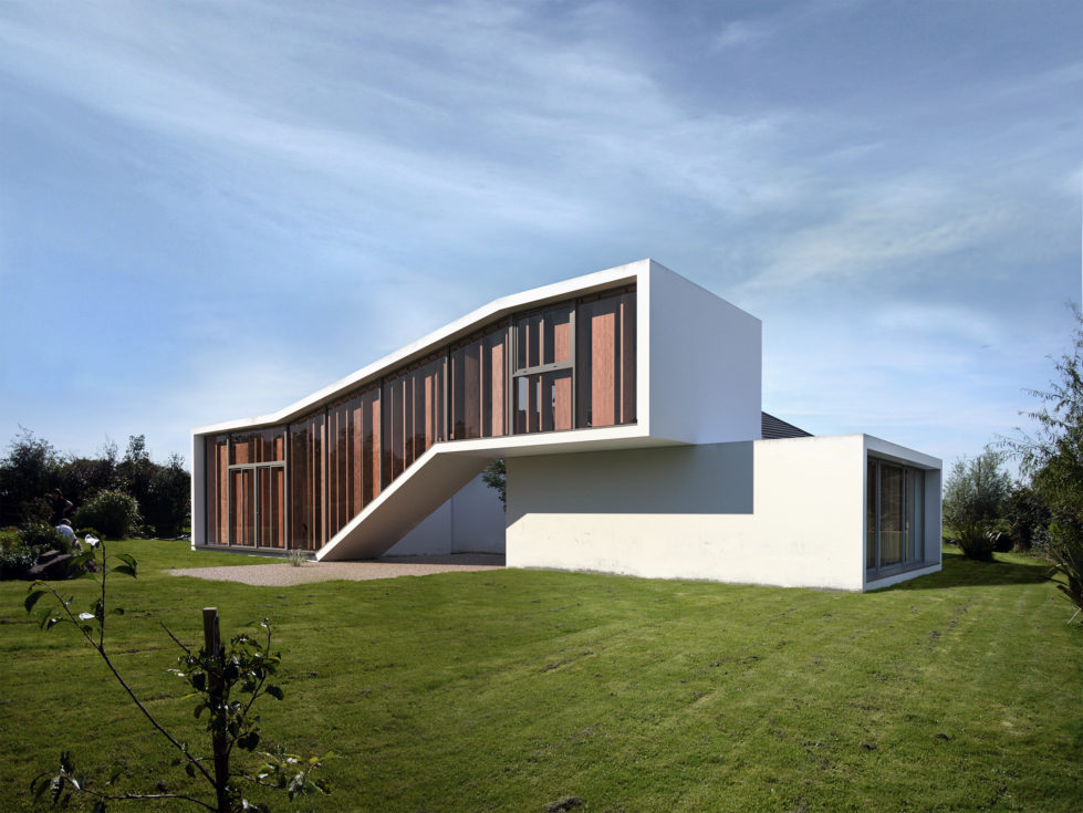 AQSO Burke house, facade, louvers, green, cantilever, white concrete, sofas, courtyard, extension, villa, garden, extension, timber