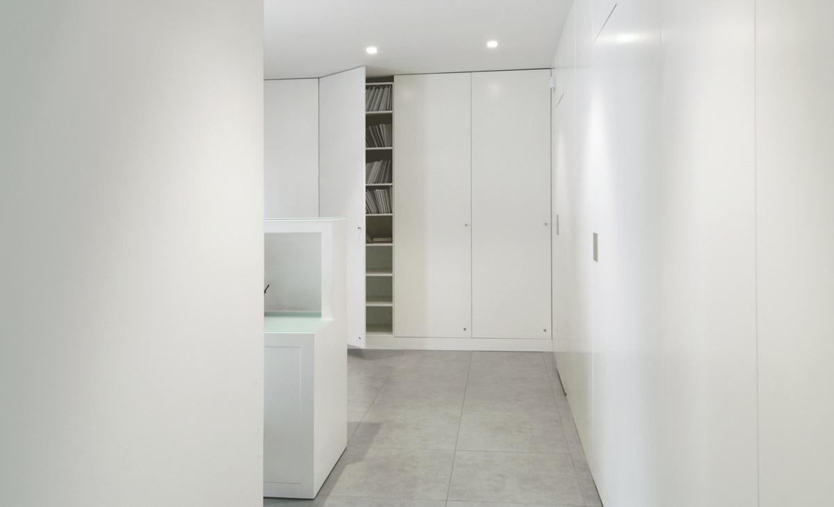 AQSO Zurbaran clinic, lacquered MDF, modular cabinets, filling cabinet