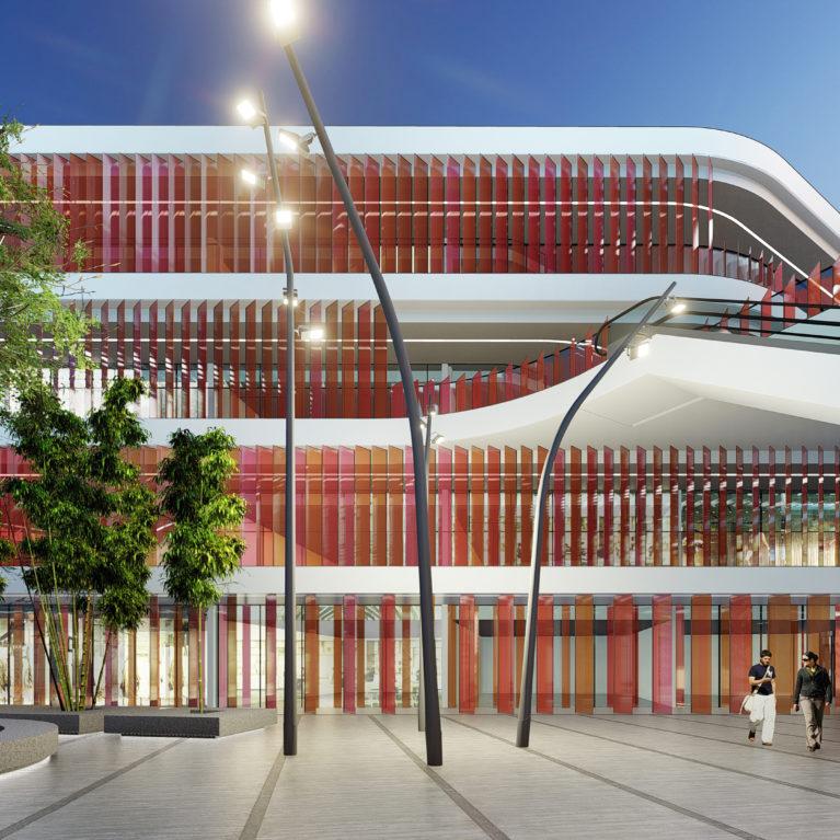 AQSO arquitectos office, patio interior, pasillo, espacio diáfano, entrada iluminada, plaza pública, gran árbol, pavimento de piedra, entrada principal