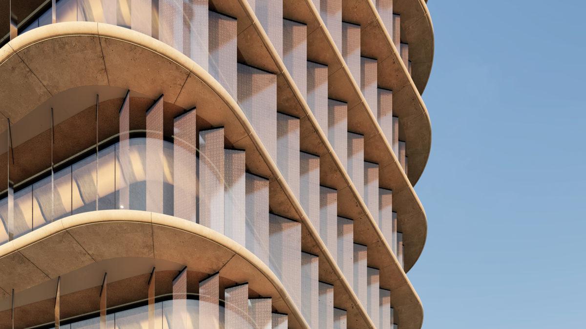 AQSO arquitectos office. La fachada brise-soleil está hecha de vuelos de hormigón con protección solar y lamas verticales de vidrio.