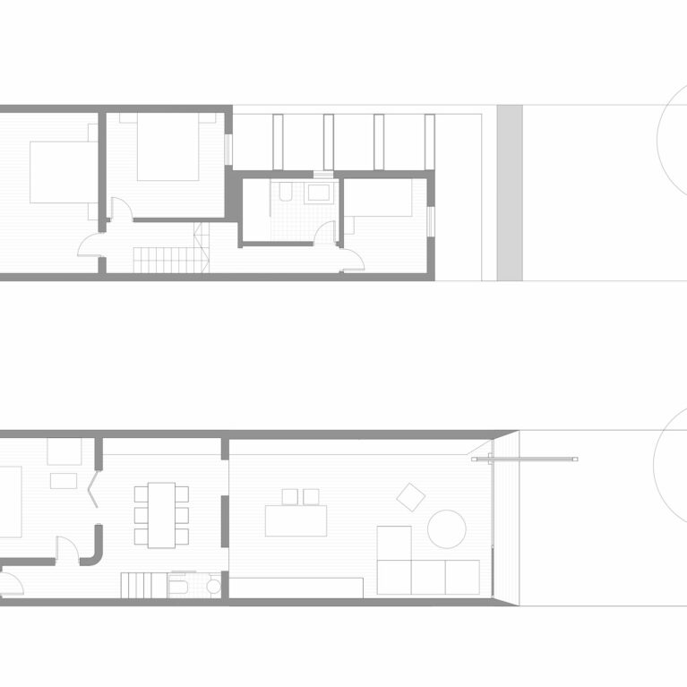 AQSO arquitectos office. The floor plans show the spaces for daytime use on the first floor and those for nighttime use on the upper floor. The extension of the house provides a large living room and an additional bedroom.